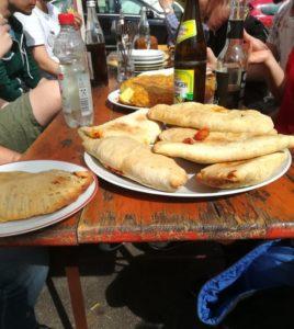 Gemeinsames Essen nach dem Ausflug